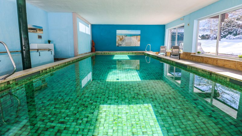 hotel-grainau-swimmingpool-01
